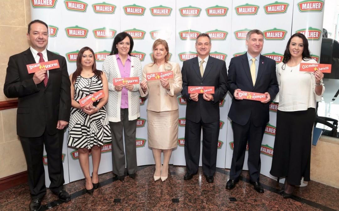 Nueva campaña de Malher impulsa a familias a involucrarse en todas las tareas del hogar