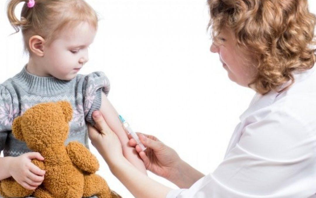 Cómo prevenir enfermedades respiratorias estacionales en las niñas y niños
