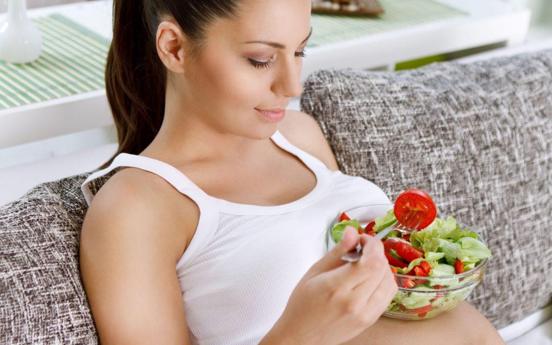 ¿Cuáles son los cinco nutrientes esenciales durante el embarazo?