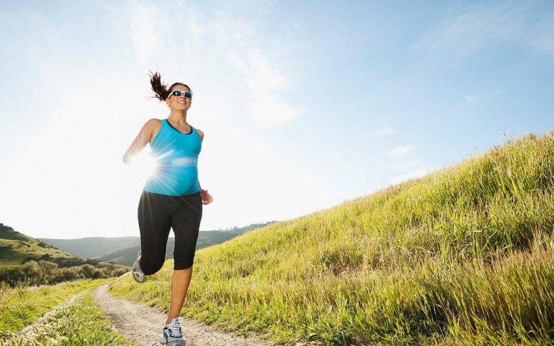 ¿Es riesgoso o trae beneficios correr durante el embarazo?