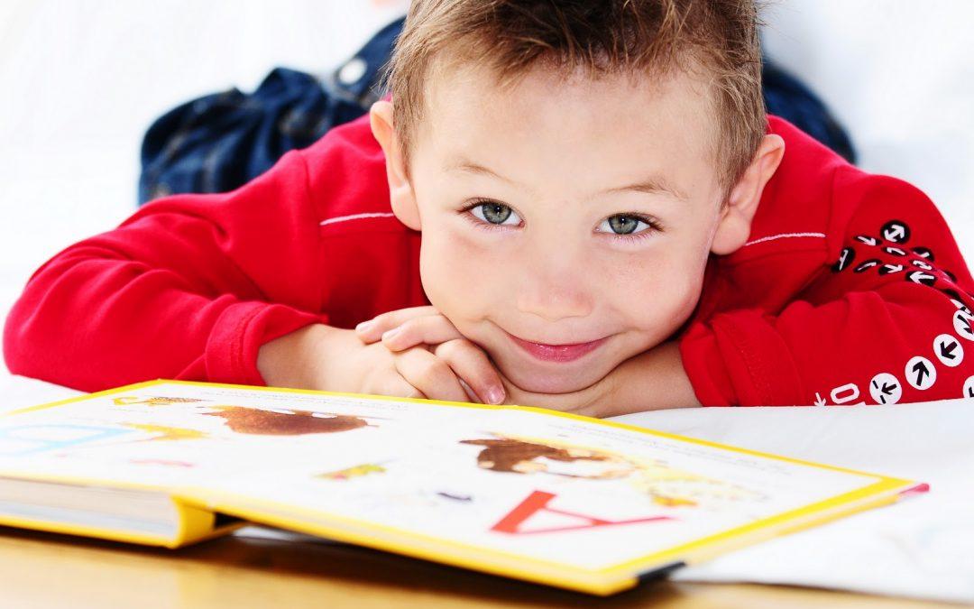Poner a leer a sus hijos mejora sus capacidades