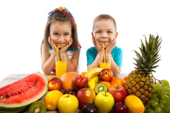 Los niños menores de un año no deberían beber jugo de fruta ¿Por qué?