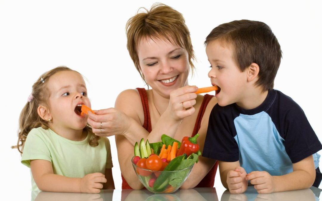 ¿Qué alimentos debo incluir en la dieta de los niños para favorecer el desarrollo cognitivo?