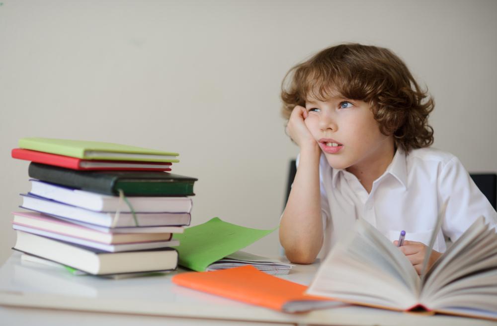 ¿Se puede corregir el daltonismo y dislexia en los niños?