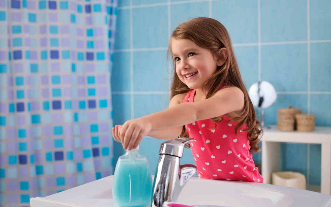 El secreto para lavar las manos a su hijo de la mejor manera