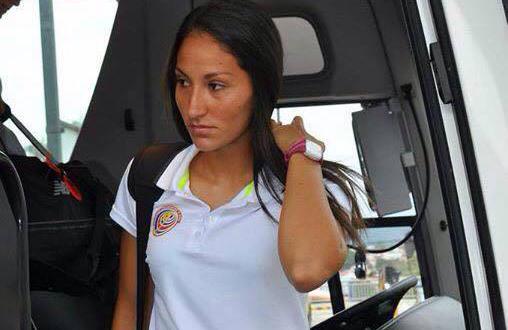 Adriana Venegas: Una mamá futbolista
