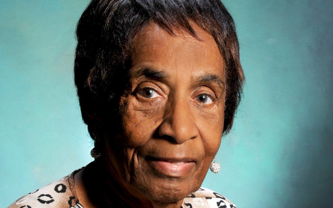 Thelma Curling: Una ferviente defensora de los derechos de la mujer y de la cultura afrocaribeña