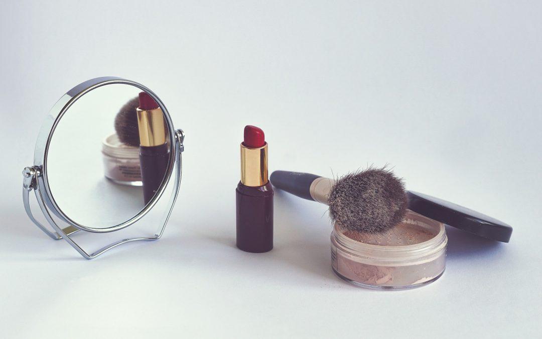 5 productos que no deben faltar en su cosmetiquera