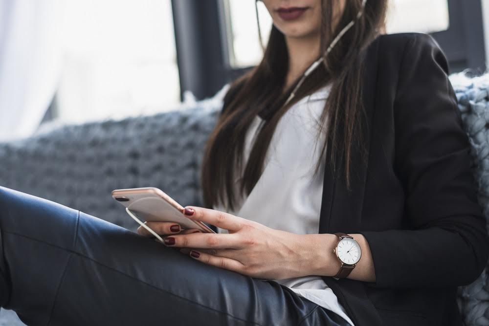 9 consejos para prevenir la violencia en línea contra la mujer
