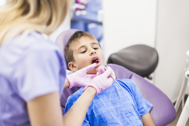 ¿Es recomendable extraer las amígdalas en los niños?