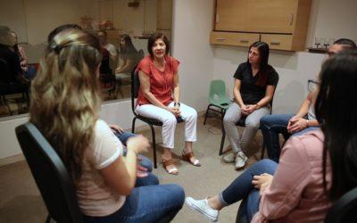 Violencia de género es abordada con terapia que permite la observación de comportamientos en tiempo real