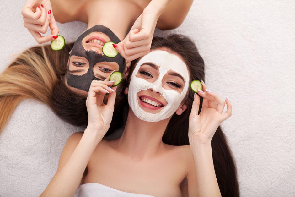 4 alimentos que destruyen el colágeno de tu rostro y resaltan las arrugas