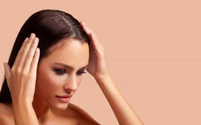 ¿Hay una relación entre la caspa y la caída del cabello?