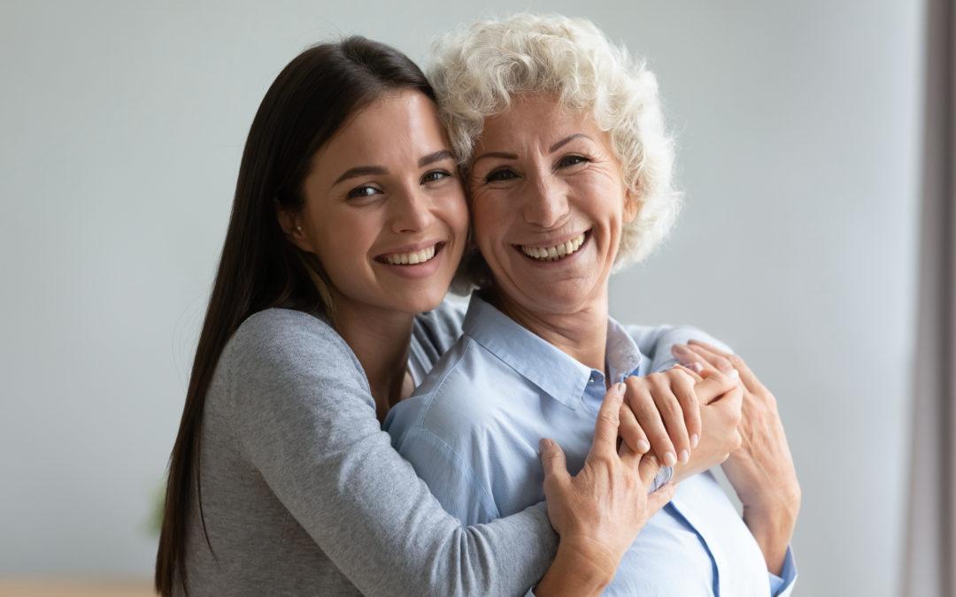 Consejos para cuidar a un adulto mayor y promover su bienestar