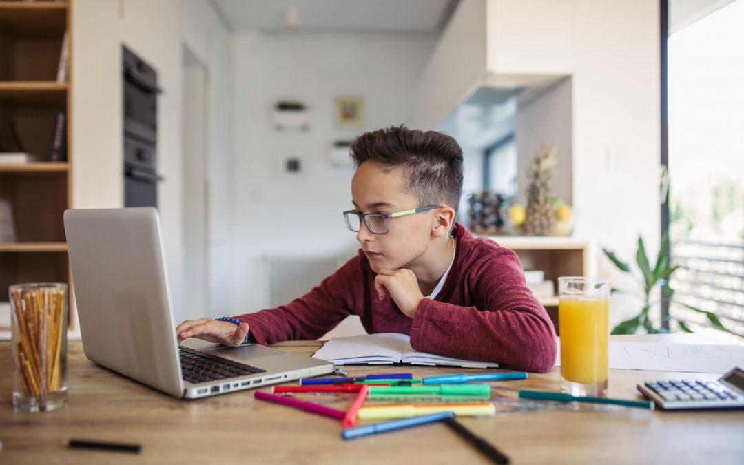 Con el regreso a clases: ¿Cómo reforzar buenos hábitos alimentarios en sus hijos?