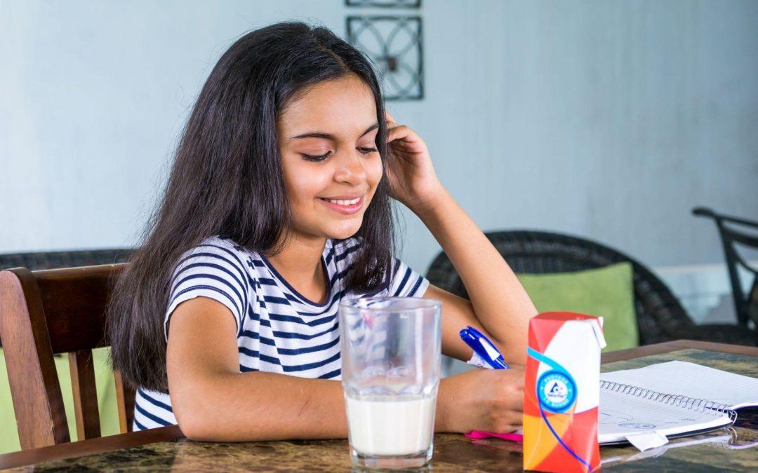 La importancia de la leche en la edad escolar