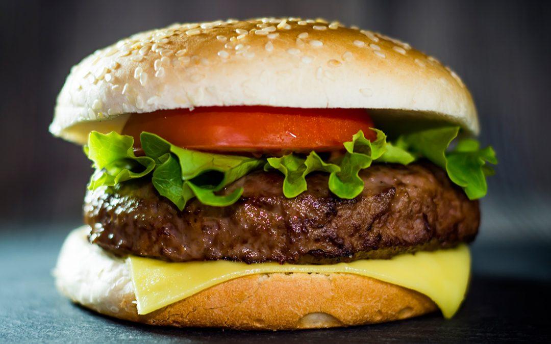 Día Internacional de la Hamburguesa y sus distintas versiones en Latinoamérica