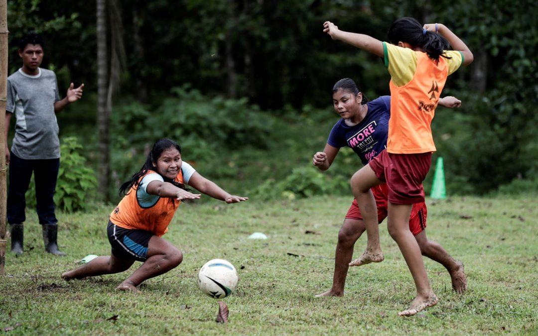 Proyecto de fútbol que busca empoderar las mujeres indígenas avanza en Costa Rica
